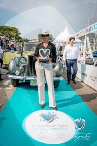 Rolls Royce Silver Wraith de 1957 à l'intérieur Hermès - Prix Spécial de l'élégance remis par Marc Gallon, organisateur de Saint-Jean-Cap-Légendes