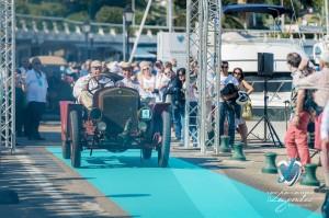 Défilé à bord de la SPA Tipo 25/30 hp à Saint-Jean-Cap-Légendes édition 2015 - Concours et Exposition de voitures de collection