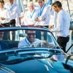 Matthieu Lamoure et Pierre Novikoff, de la maison Artcurial, au volant de la BMW 507 Roadster de 1957 à Saint-Jean-Cap-Légendes édition 2015