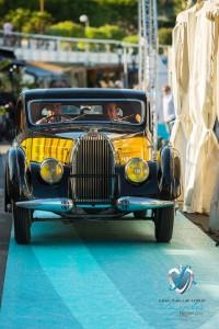 Défilé de la Bugatti Type 57C Atalante de 1938 à Saint-Jean-Cap-Légendes édition 2015 - Concours d'état