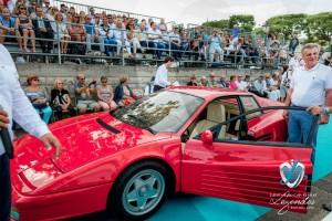 La Ferrari Testarossa devant le public de Saint-Jean-Cap-Légendes édition 2015 pendant le concours Youngtimers