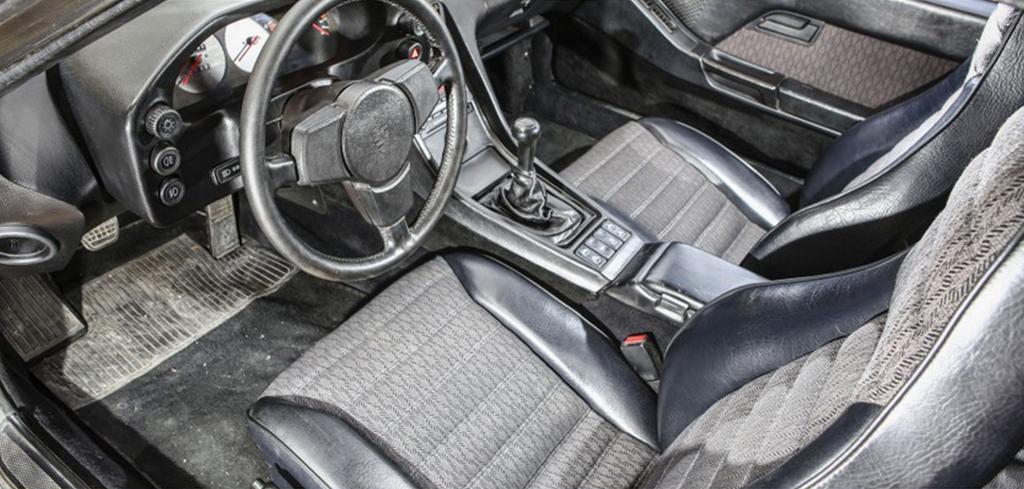 Porsche 928 au concours Youngtimers