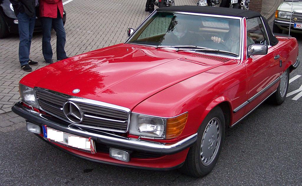 Mercedes Benz 560 SL au concours Youngtimers
