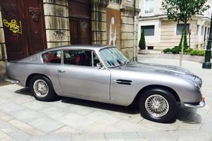 Aston Martin DB 6 Vantage au Concours d'État